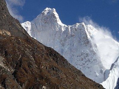 まさに「怪峰」の名がふさわしいジャヌー北壁