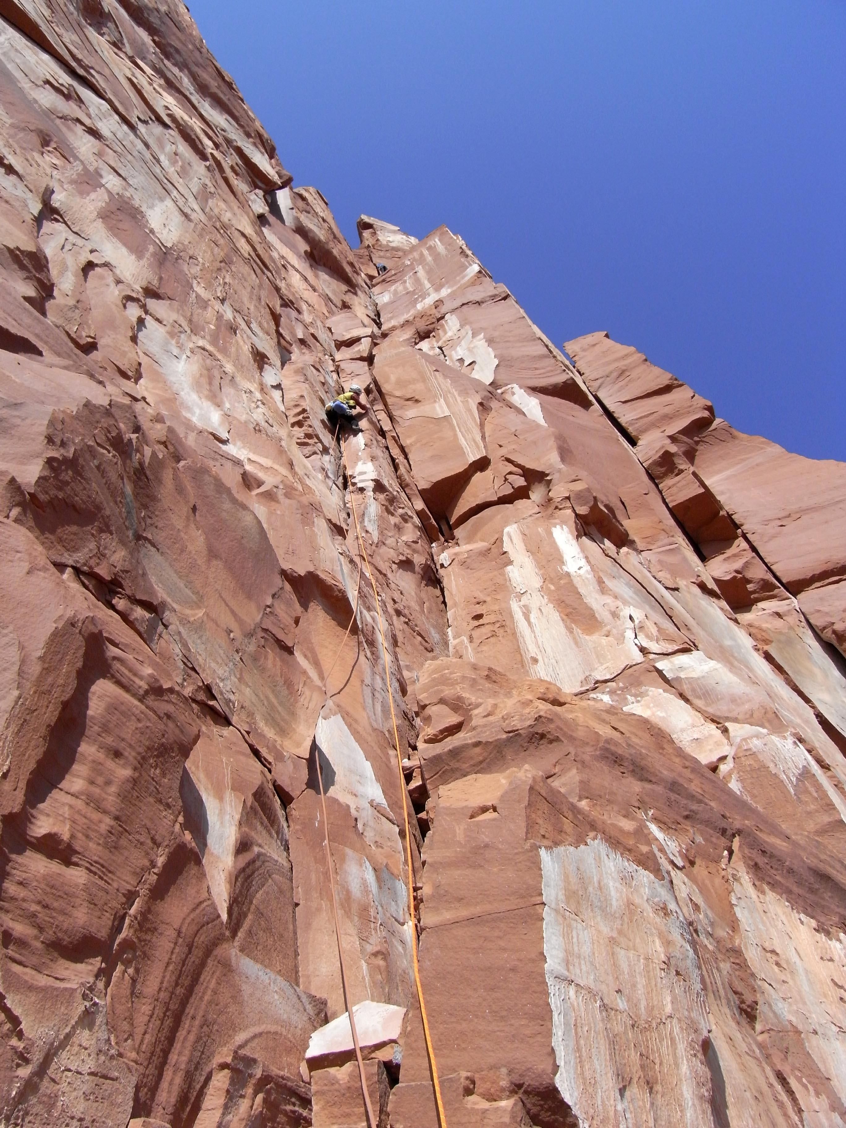 キャッスルトンタワー2ピッチ目の登攀