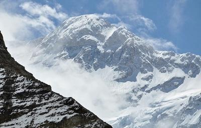 姿を現わした巨大な峰カンチェンジュンガ